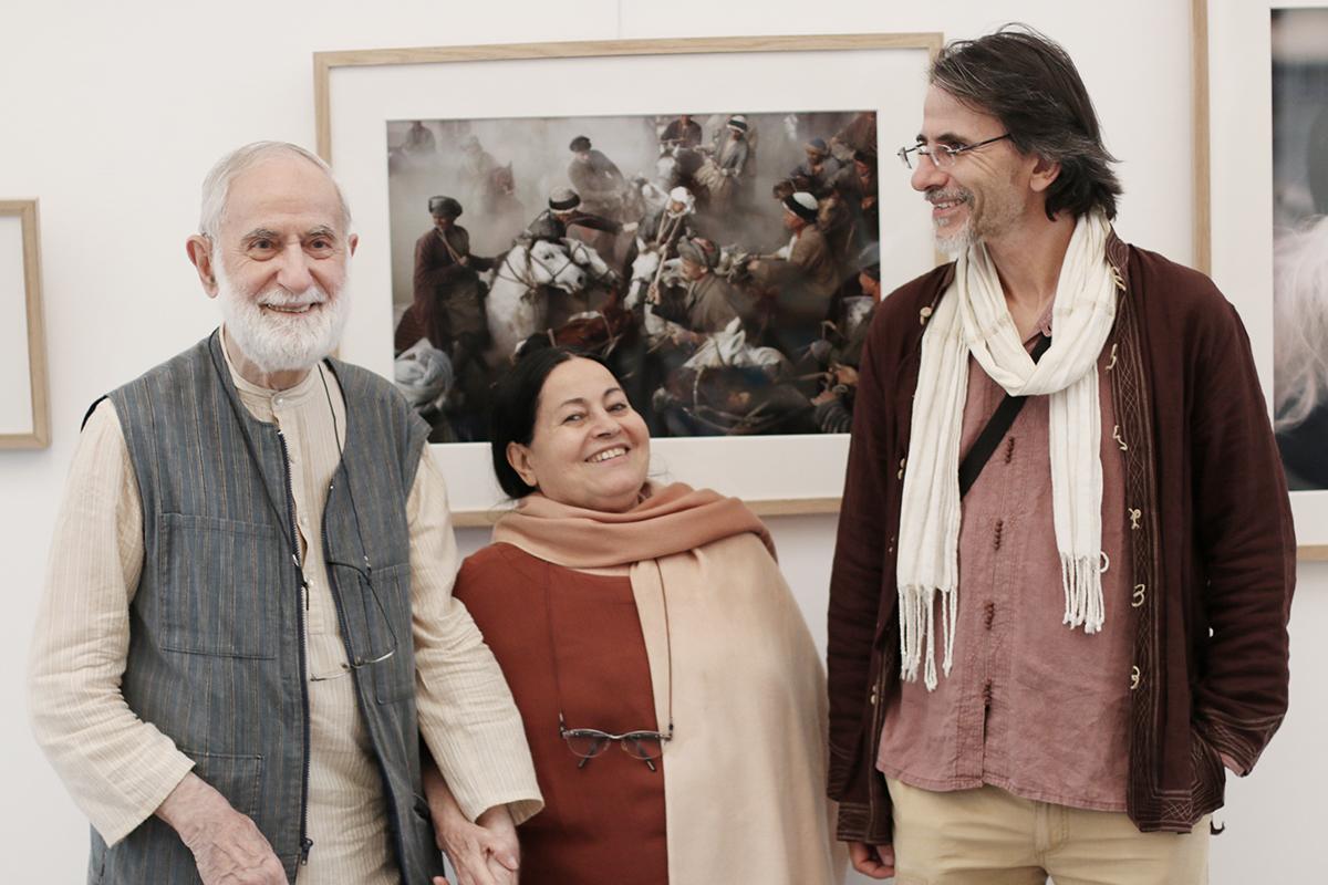 EXPO_AsieCentrale_IRAN_VERNISSAGE-les-Michaux-photographes-legendaires_Philippe_Bichon_invite_carnettiste