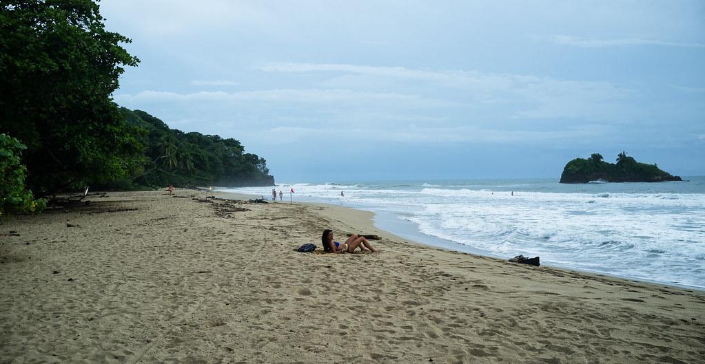 Playa-Cocles-Puerto-Viejo