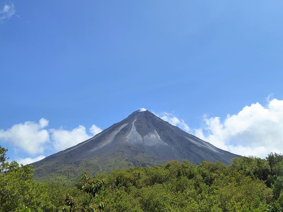 Volcan-Arenal-La-Fortuna